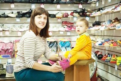 Подбирая детскую обувь